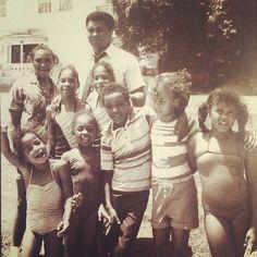 The champ Muhammad Ali with his children. http://muhammadalipage.com/muhammad-ali-amazing-speed/