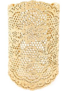 Купить Aurelie Bidermann браслет-кафф 'Vintage Lace'  в Uzerai from the world's best independent boutiques at farfetch.com. Shop 300 boutiques at one address.