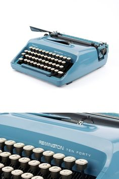 Typewriter Remington Ten Forty with Elegant font - working - 70s - blue turquoise - portable with case