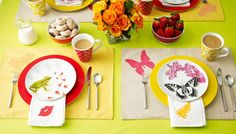 Cute custom table linens, no sewing required, with this fabric appliqué technique