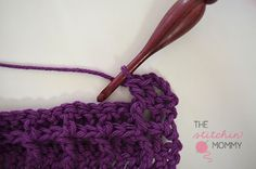 Let's Learn a New Crochet Stitch! This week I am showing you how to make the Waffle Stitch in this step-by-step photo tutorial. Crochet Basket Pattern, Crochet Patterns Amigurumi, Crochet Stitches, Yarn Projects, Crochet Projects, Crochet Waffle Stitch, Toilet Paper Crafts, Waffle Blanket, Step By Step Crochet