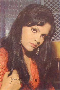 Sonakshi Sinha Saree, Aishwarya Rai Bachchan, Types Of Shapes, Bollywood Actress, Indian Actresses, Vintage Photos, Black And Brown, Mona Lisa, Cinema