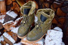 Het is koud buiten. Hoog tijd voor een paar warme snowboots om de winterdagen door te komen. Kelly haalde een paar schoenen bij Jacky Luxury, en schreef er een review over. Heb jij 't item al gespot?  Link: http://goyalifestyle.nl/new-fringe-snowboots-jacky-luxury/