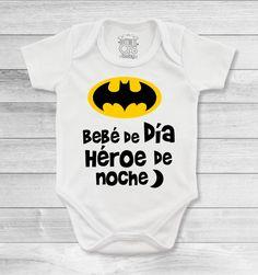 Bodys o mamelucos para bebé diseñados con lindos motivos para darle personalidad a tu bebé Cute Little Baby, Little Babies, Baby Showers, Baby Boy Monogram, Estilo Fashion, Baby Body, Baby Time, Our Baby, Baby Boy Outfits