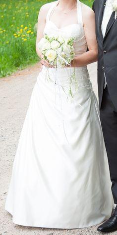 ♥ Wunderschönes Brautkleid der Marke LILLY, ca. Gr. 38 incl. Petticoat ♥  Ansehen: http://www.brautboerse.de/?post_type=listing_type&p=44574   #Brautkleider #Hochzeit #Wedding
