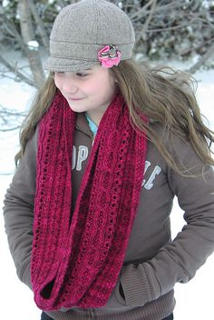 Ravelry: Project Gallery for Miss C Cowl pattern by Jane Purchase
