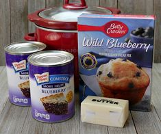 Make an easy Crock Pot blueberry cobbler with just 3 ingredients. Top cans of pi… Make an easy Crock Pot blueberry cobbler with just 3 ingredients. Top cans of pie filling with muffin cake mix and butter for an easy and delicious dessert. Slow Cooker Desserts, Crockpot Dessert Recipes, Crock Pot Desserts, Dump Cake Recipes, Crockpot Dishes, Köstliche Desserts, Delicious Desserts, Yummy Food, Crockpot Meals