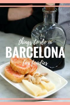 The guide things to do in Barcelona for foodies! From markets to food tours, Barcelona offers something for every stomach! Here are your yummy options! Barcelona Food, Barcelona Restaurants, Barcelona Travel, Spanish Cuisine, Spanish Food, Real Madrid, Bistro Food, Asian Cooking, Roadtrip