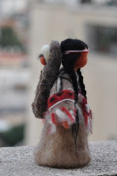 ╰☆╮Needle felted Waldorf Doll-Native American sculpture-standing doll-needle felt by Daria Lvovsky Native American Dolls, Native American Crafts, Needle Felted Animals, Felt Animals, Wet Felting, Needle Felting, Diy Laine, Indian Dolls, Felt Fairy