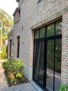 Garage Design, Exterior Design, Future House, My House, Ranch Style Homes, Cottage Farmhouse, Exterior Remodel, Brickwork, Patio Doors