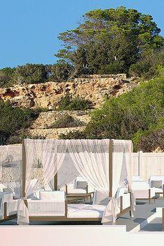 Cotton Beach Club, Ibiza beach restaurant - White Ibiza