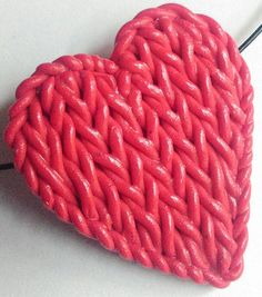 Red Heart Pendant Faux Knit Polymer Clay Pendant by ClaycatBijou Cute Polymer Clay, Polymer Clay Pendant, Polymer Clay Charms, Merino Wool Blanket, Hearts, Pendants, Knitting, Unique Jewelry, Handmade Gifts