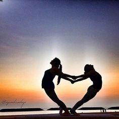 Những tư thế yoga đôi đẹp mắt - https://lamdepiz.com/nhung-tu-the-yoga-doi-dep-mat/
