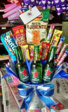 Regal o novio 21st Birthday Basket, Birthday For Him, Diy Birthday, Husband Birthday, Birthday Gifts, Bf Gifts, Love Gifts, Boyfriend Gifts, Gifts For Him
