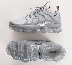nike, shoes, and sneakers image Dr Shoes, Nike Air Shoes, Hype Shoes, Me Too Shoes, Cool Nike Shoes, Pink Shoes, Nike Air Vapormax, Shoes Men, Boys Shoes