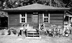 Montrose School Parksville Museum & Archives Parksville, BC Back In Time, Museum, Community, History, School, Places, Outdoor Decor, Art, Art Background