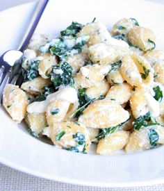 Creamy Shell Pasta with Spinach #vegan This recipe was inspired by the manicotti stuffed with cheese and spinach. The difference is this dish is quicker and less cumbersome and of course vegan. I hate trying to get the cream inside the manicotti noodle. I guarantee if you work really fast this dish will be finished and on the table in less than 15 minutes. From www.myvegancookbook.com