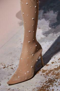 Givenchy Spring 2020 Couture Fashion Show fashion shoes – Fashions Couture Shoes, Style Couture, Couture Details, Couture Fashion, Fashion 2020, Fashion Show, Fashion Design, High Fashion, Women's Fashion
