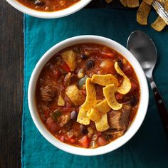 Game-Stopper Chili Recipe -This hearty chili with sausage, beef, beans and barley is perfect for the half-time food rush. People actually cheer when they see me coming with my slow cooker! Best Chili Recipe, Chili Recipes, Soup Recipes, Casserole Recipes, Game Recipes, Muffin Recipes, Potluck Dishes, Potluck Recipes, Texas Roadhouse Chili Recipe