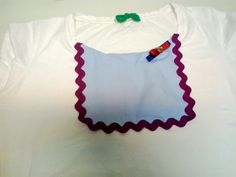 Camiseta customizada con tela y piculina.