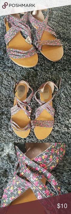 Gap floral sandals Multicolor floral print sandals from Gap GAP Shoes Sandals