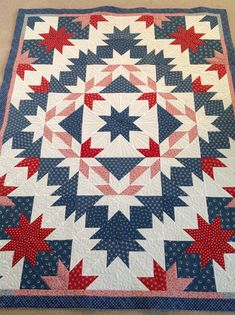 Hunter's Star by MaterialGirlFriends Star Quilt Patterns, Star Quilts, Quilt Blocks, Star Blocks, Hunters Star Quilt, Disneyland, Homemade Quilts, Half Square Triangle Quilts, Quilt Of Valor
