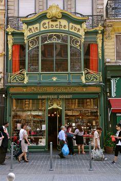 Bijouterie bossut, lille ⚜ bonjour la france ⚜ shop facade, store fronts и shop La Belle Epoque Paris, Boutiques, Shop Fronts, Shop Around, Window Art, Paris France, Lille France, Antique Shops, Windows