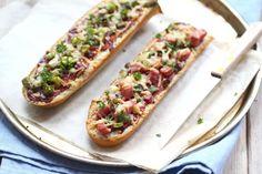 Lekker en super simpel, zelfgemaakte pizzabroodjes!
