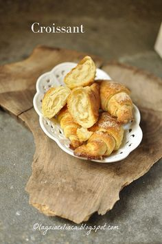 Croissant senza glutine Good Morning Breakfast, Biscotti, Love Food, Snack Recipes, Muffin, Gluten Free, Sweets, Bread, Cooking