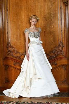 Dilek Hanif Haute Couture- upper detailing