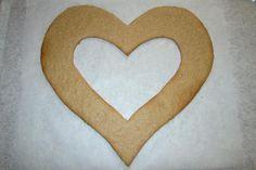 Torta v tvare srdca, recept, Torty   Tortyodmamy.sk Symbols, Letters, Backen, Icons, Letter, Fonts, Calligraphy