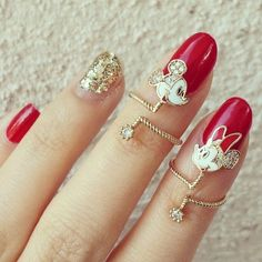 love this nail jewelry!