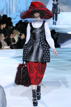 Marc Jacobs Fall 2012 Ready-to-Wear Collection Slideshow on Style.com