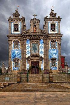 architecture:           Santo Ildefonso Chur lovely art      Porto, Portugal