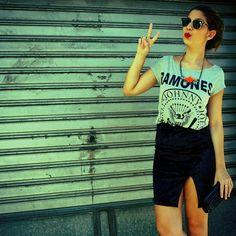 Look The Finds T-shirt Ramones + saia velvet