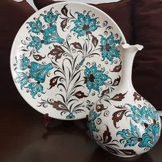 Kitchenware, Tableware, Plates And Bowls, Tile Art, Ceramic Pottery, Trends, Ale, Decorative Plates, Lotus
