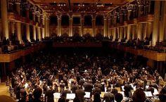 Uma das melhores salas de concerto do mundo, a Sala São Paulo fica na Estação Júlio Prestes, um imponente edifício em estilo Luís XVI que foi adaptado e restaurado
