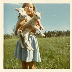 this will be what my future little ones do.play outside, nurture animals, enjoy farm life! Old Photos, Vintage Photos, Farm Animals, Cute Animals, La Reverie, Jolie Photo, Norman Rockwell, Country Girls, Country Living