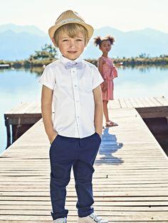 3781b58c821d8 Bermuda  CotonLin garçon. Ce bermuda chino est parfait pour les jours de  fêtes.