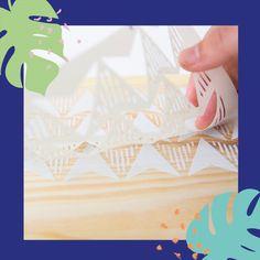 La función principal en los Stencils es poder reproducir dichos motivos repetitivamente sobre una superficie.  Para ello, debéis posicionarlos, fijarlos (recomendamos cinta de carrocero), pintar con un pincel y repetir el proceso el número de veces necesarias para completar una cenefa, un mosaico, ...   Recordad que estamos a vuestra disposición para resolver cualquier duda que tengáis. #covid19 #pintarescrear #pinturaslapajarita #pintura #manualidades #DIY #DECO #chalk #chalkpaint… Stencils, Playing Cards, Diy, Template, Little Birds, Bricolage, Diys, Handyman Projects, Do It Yourself