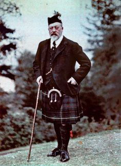 King Edward VII in full highland costume, 1909. Photographed by Lionel de Rothschild.