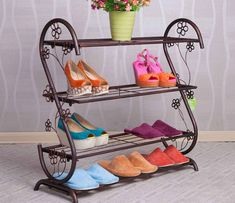 55 Genius Shoes Rack Design Ideas 41 – Home Design Metal Shoe Rack, Diy Shoe Rack, Creative Shoes, Wooden Rack, Iron Furniture, Rack Design, Iron Decor, Home And Deco, Decoration