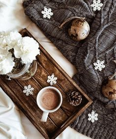 Are you looking for ideas for christmas aesthetic?Check this out for cool X-Mas ideas.May the season bring you peace. Merry Christmas, Christmas Mood, Christmas Photos, Christmas And New Year, All Things Christmas, Christmas Flatlay, Pause Café, Winter Coffee, Cosy Winter
