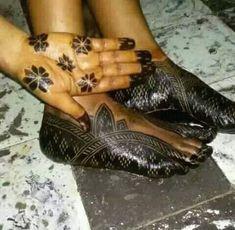 Arabic Henna, Henna Mehndi, Henna Art, Latest Henna Designs, Mehndi Designs, Foot Henna, Madina, Body Art, Tattoos