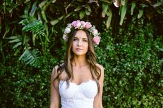 The most beautiful bride Dress: Julia Ferrandi Photo: Lad & Lass Our Wedding, Dream Wedding, Wedding Stuff, Beautiful Bride, Most Beautiful, Different Wedding Ideas, Poses, Flower Crown, Love Story