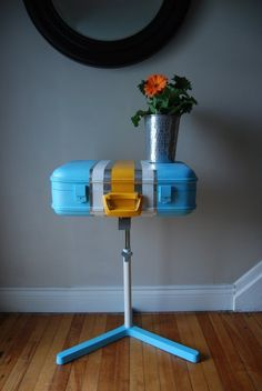 luggage table: remind me to make one of these for my entryway when i have a moment