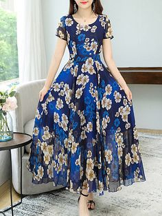 Exceptional boho dresses are readily available on our web pages. Read more and you wont be sorry you did. Latest Fashion Clothes, Women's Fashion Dresses, Maxi Dresses, Casual Day Dresses, Frock Design, Dress Silhouette, Beautiful Gowns, Boho Dress, Designer Dresses