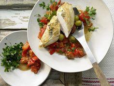 Provenzalisches Hähnchen - mit Tomaten und Oliven - smarter - Kalorien: 512 Kcal - Zeit: 40 Min. | eatsmarter.de