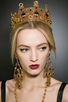 Daria Strokous backstage at Dolce  Gabbana Fall Winter 2013   MFW