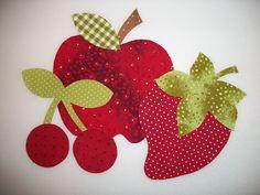 moldes de letras em patchwork - Pesquisa Google Applique Patterns, Applique Quilts, Applique Designs, Quilt Patterns, Patch Quilt, Quilt Blocks, Patchwork Cushion, Quilted Pillow, Handmade Crafts